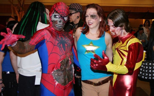 10 comic casal costume