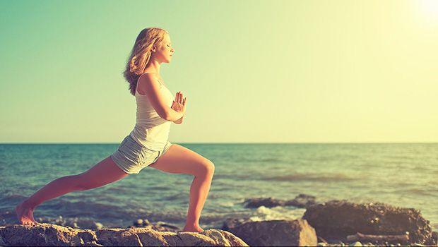 exercícios de ioga simples para as pessoas em todo o mundo