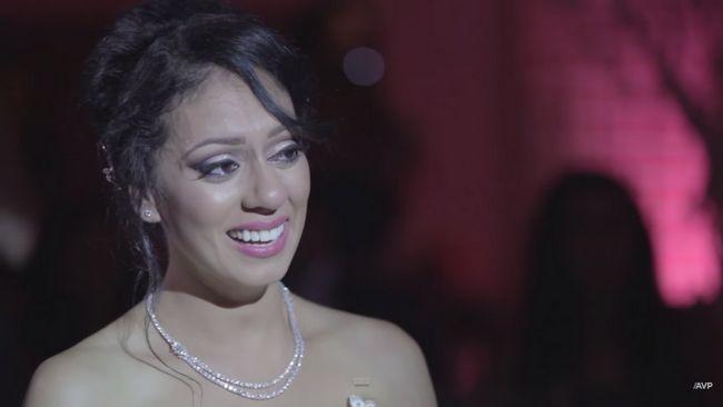 noivo canadense serenata sua noiva indiana com 'Tum oi ho'
