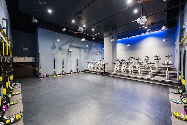 Primeiro olhar: novo estúdio fidi bfx funde ciclismo e treinamento de força em um quarto doce