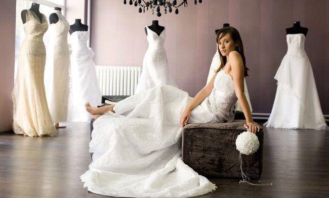 Como encontrar o vestido de casamento perfeito para se adequar ao seu tipo de corpo