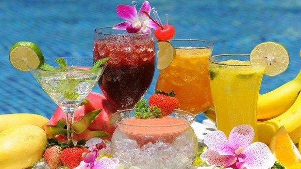 como fazer cocktails para saciar sua sede no verão simples e fácil