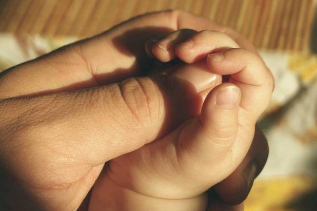 Lições que eu sabia que eu ensino minha filha - pai um presente, embrulhado com amor