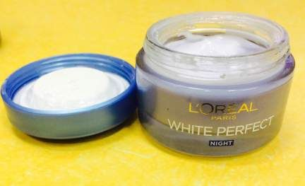 L'Oreal Paris White Perfect exame do creme de noite e as amostras