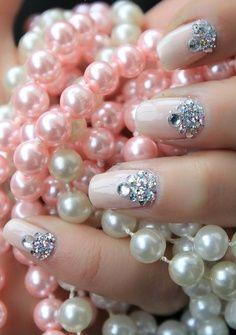 Nail art pérola rosa