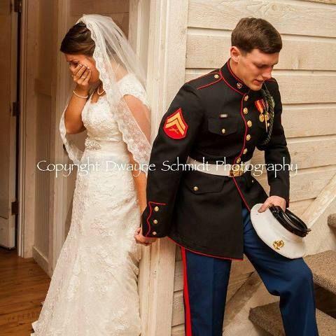 Fotógrafo encaixe perfeito do casamento da foto do casamento da marinha memorial day