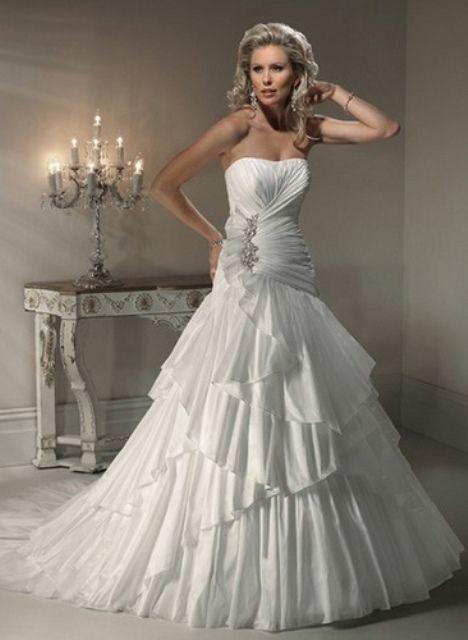 O vestido de casamento perfeito para o seu signo do zodíaco