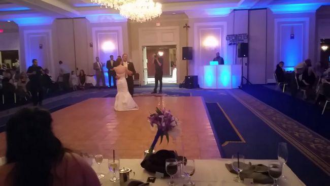 Esta dança do casamento da filha do pai vai aquecer o seu coração