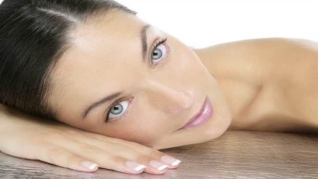 Top 8 remédios naturais para a pele com coceira