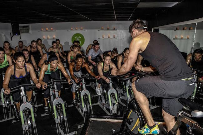 Dois estúdios Grande coisa de fitness aberto em Santa Monica