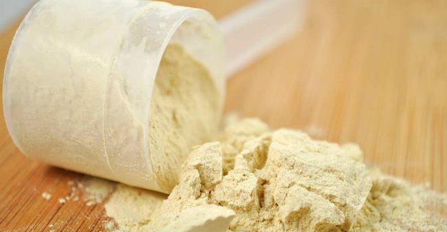 Os efeitos secundários possíveis de proteína de soro de leite que você nunca deve ignorar